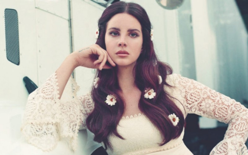 "Lana del Rey publica nuevo tema ""Looking for America"""