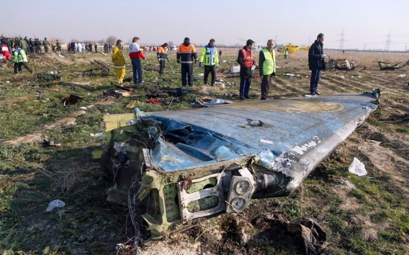 Irán investiga el accidente aéreo e intenta frenar las especulaciones