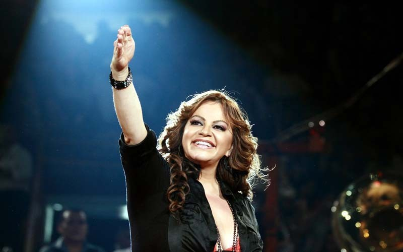 hoyla-emilio-estefan-y-david-broome-preparan-documental-sobre-las-ultimas-48-horas-de-vida-de-jenni-rivera-20190425-1.jpg
