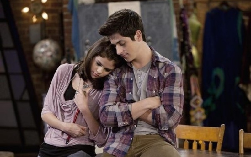 selena-gomez-david-henrie-magos-waverly-place-600-4fd2e0.jpg