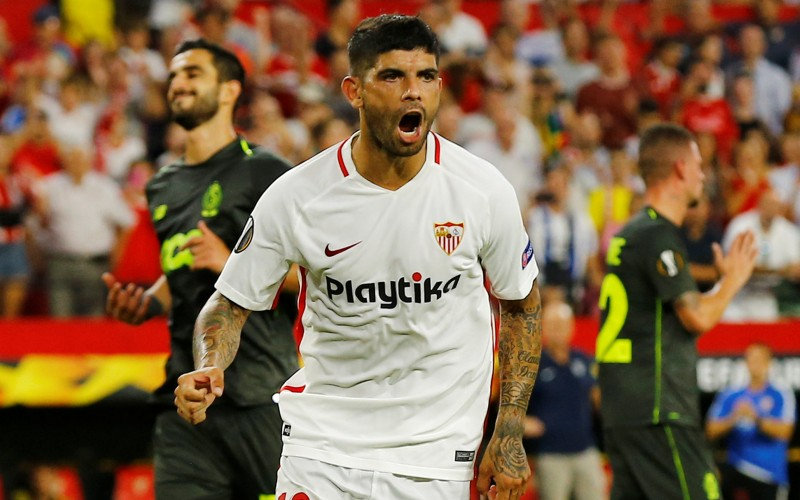 t-1537480522069-name-ever-banega-sevilla-1-1.JPG