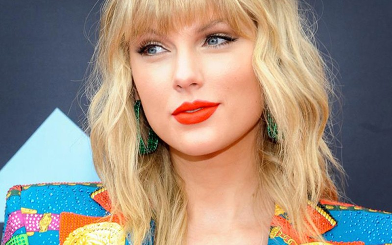 Taylor Swift deja Sony y firma en exclusiva con Universal Music
